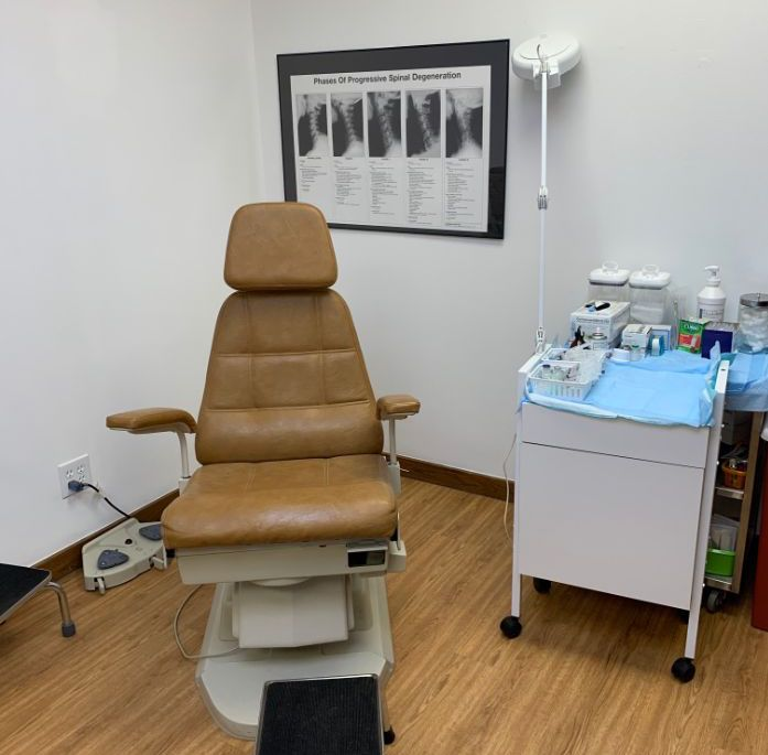 Patient room in the office of Kentuckiana Integrative Medicine